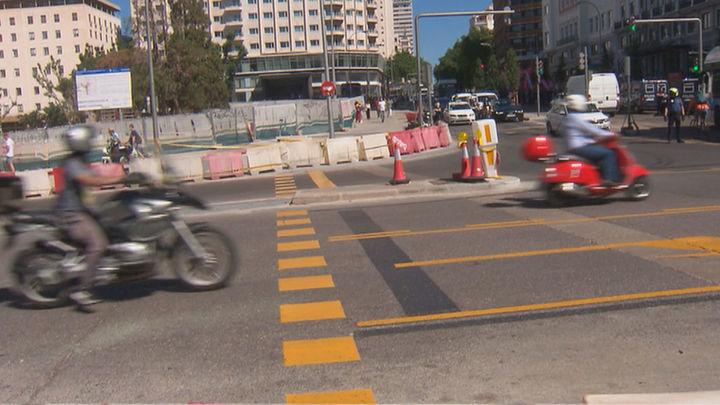 Las obras dejan sin paso de peatones la Plaza de España