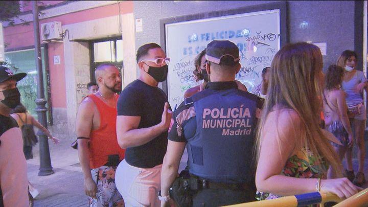 1.200 multas por botellón en Madrid el fin de semana de Orgullo