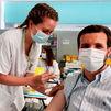 Pablo Casado vacunado contra el Covid-19 en el Hospital Zendal de Madrid