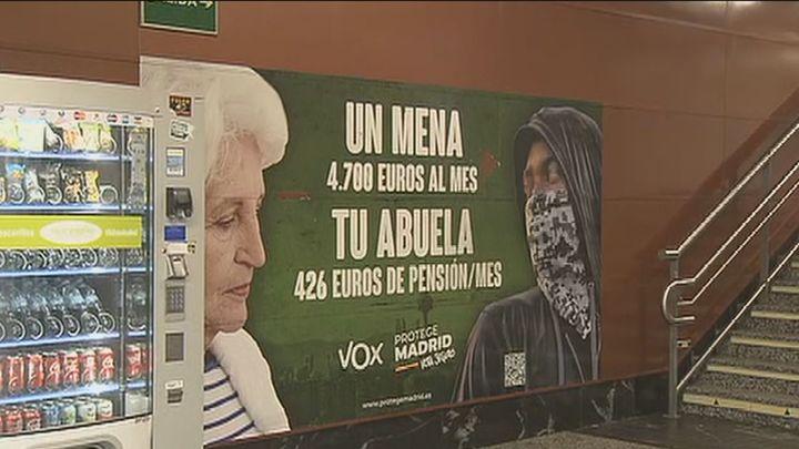 PSOE, Unidas Podemos y Más Madrid critican el aval de la Justicia al cartel de Vox contra los menores extranjeros