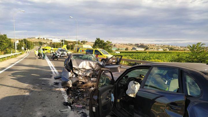 Dos heridos graves en una colisión frontal en la M-305 en Toledo
