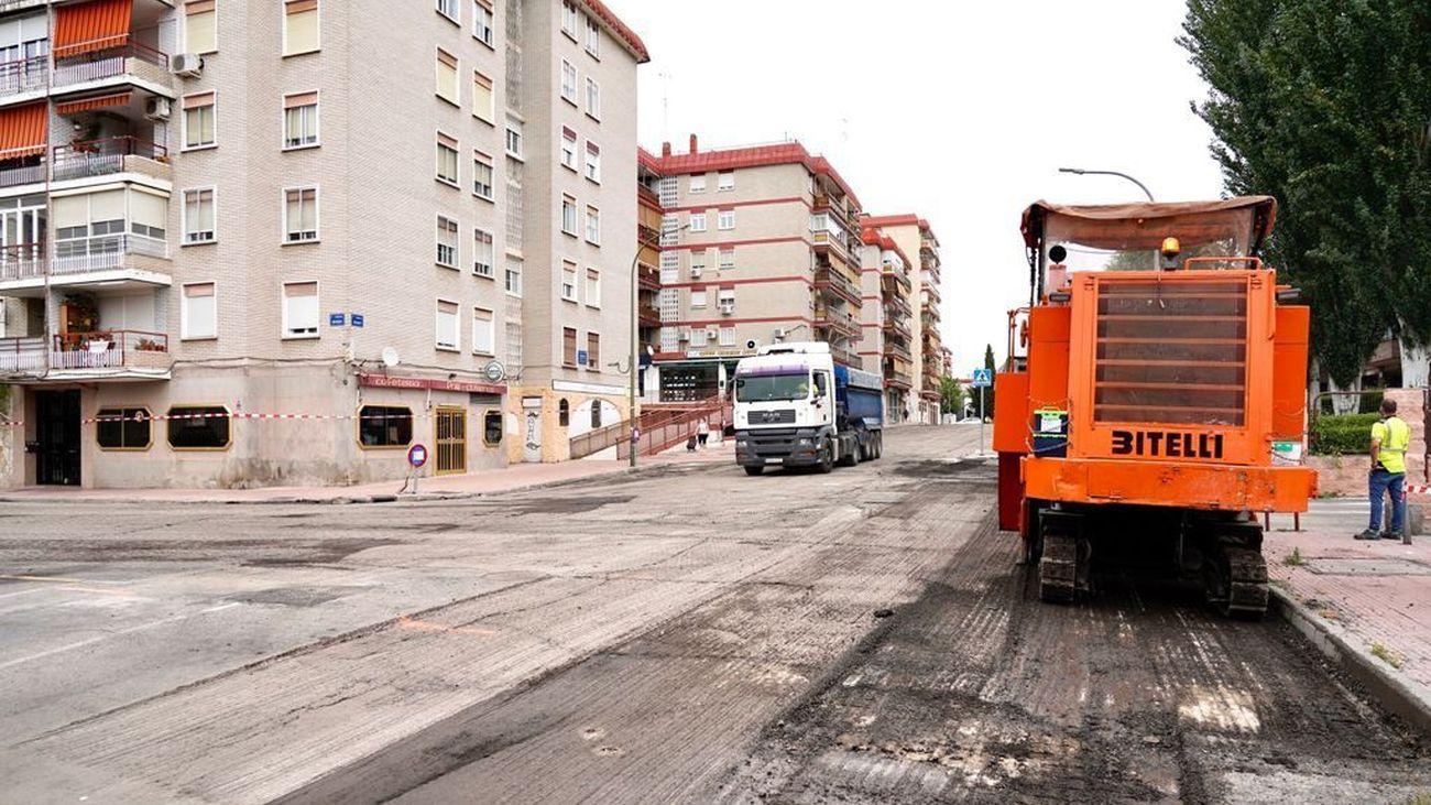 Preparación de las calles de Móstoles que posteriormente serán asfaltadas