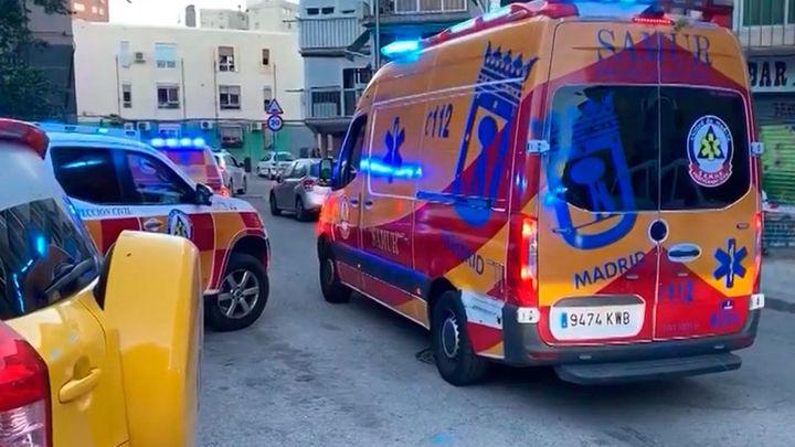 Intoxicadas leves una madre y su hija en un incendio de su vivienda en el distrito de Salamanca