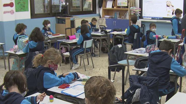Madrid aprueba la Ley Maestra para defender la libertad en Educación tras la Ley Celaá