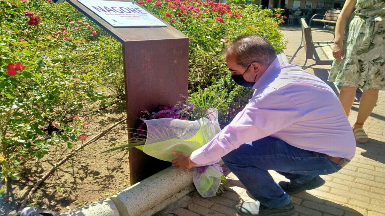 Flores en el homenaje a Nagore Laffage