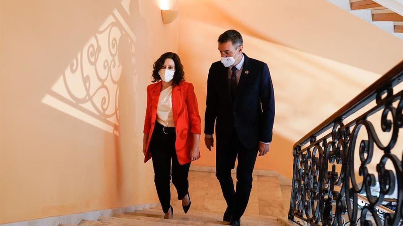 Imagen del anterior encuentro Ayuso-Sánchez en la sede de la Comunidad de Madrid