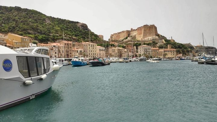 Bonifacio, una ciudadela rodeada de acantilados