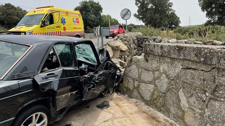 Muere un hombre al empotrarse su vehículo contra un muro en Galapagar