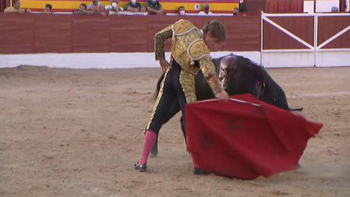 Jesús García corta dos orejas en la semifinal de Villarejo de Salvanés (parte 1ª)