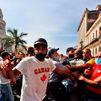 Miles de ciudadanos se lanzan a las calles en varias ciudades de Cuba contra el Gobierno
