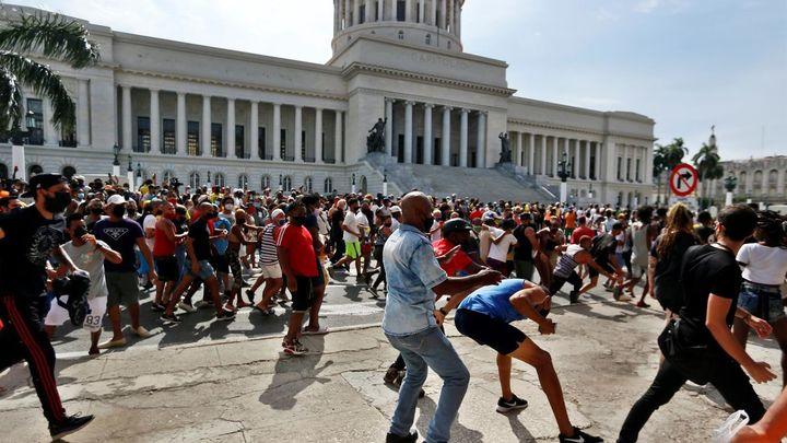 """Las protestas en Cuba, al grito de """"Libertad, Libertad"""", se saldan con decenas de detenidos"""