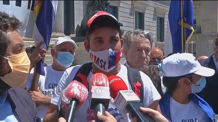 """Madrid ofrece a los cubanos las plazas de la capital """"para denunciar la dictadura"""""""
