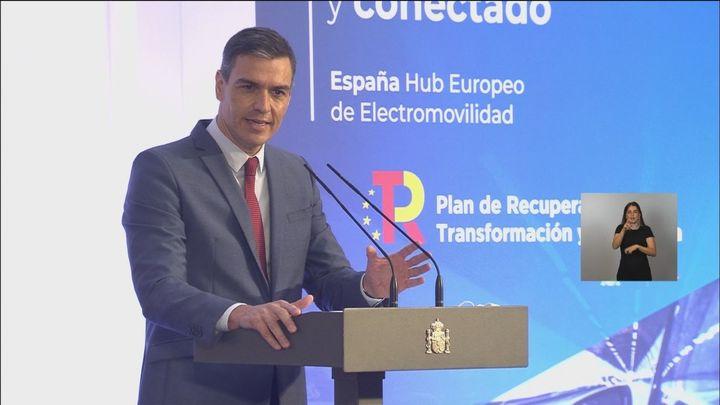"""La oposición cree que  la remodelación de Sánchez """"nada cambia"""" en el Gobierno"""