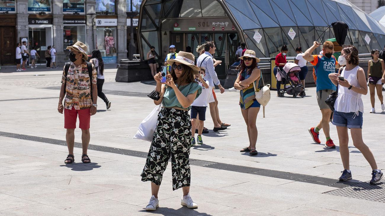 Turistas en la Puerta del Sol