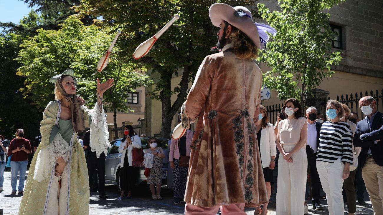 Actuación teatral en la presentación de El Festival Internacional de Verano El Escorial