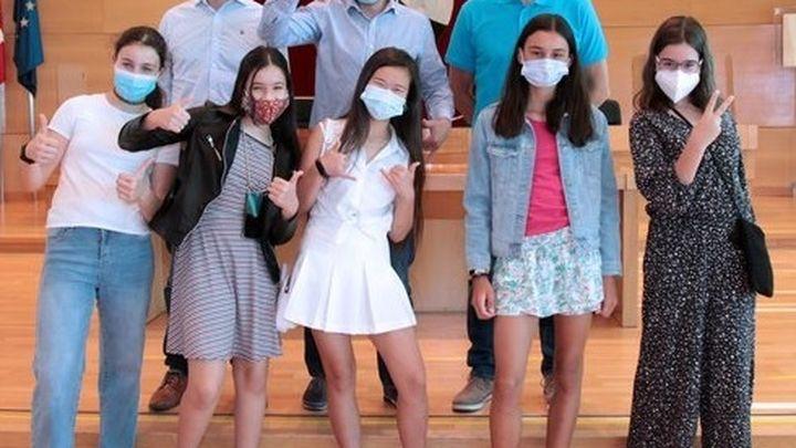 Cinco alumnas de Alcobendas desarrollan una aplicación móvil contra el acoso escolar