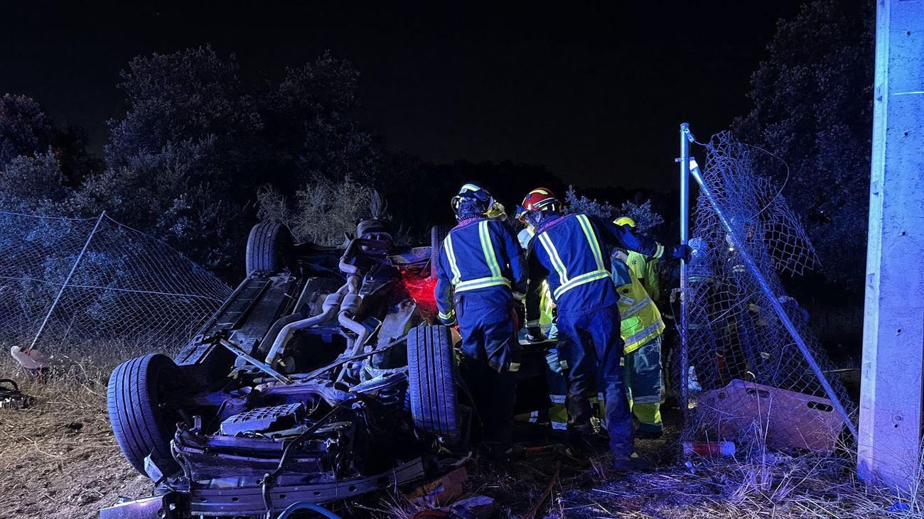Efectos del SUMMA 112 y Bomberos de la Comunidad en el accidente de tráfico de Valdemorillo