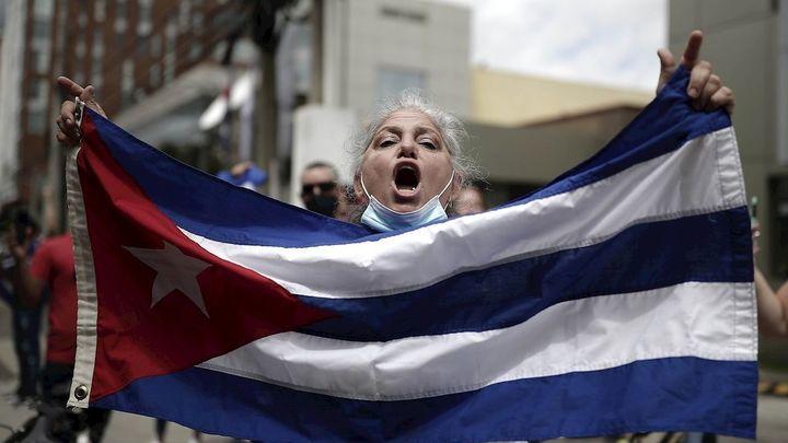 Un muerto y 150 detenidos durante las protestas en Cuba