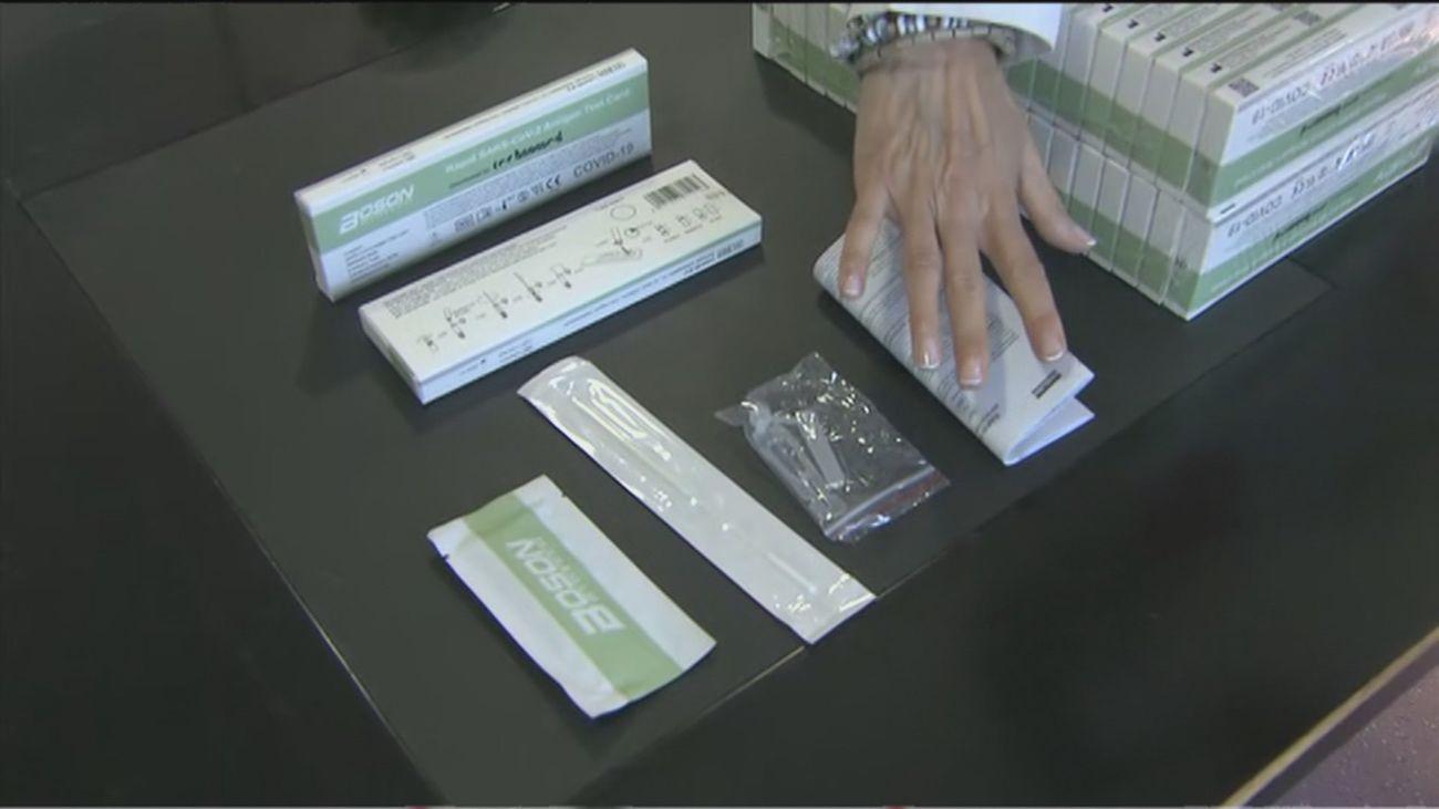 Las farmacias hacen negocio con los test de antígenos