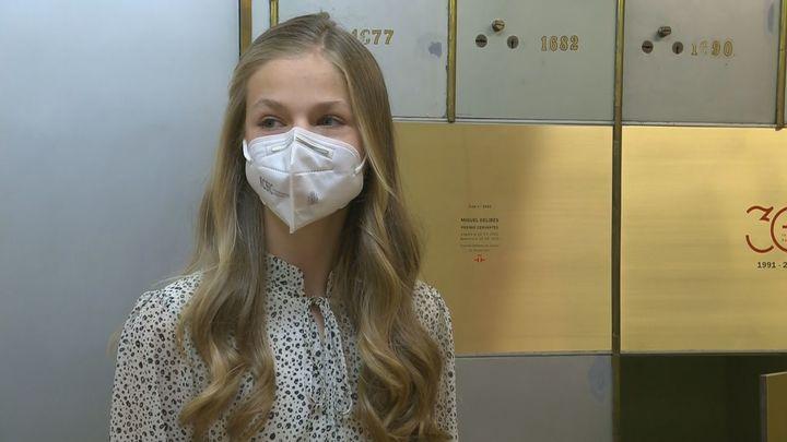 La reina y la princesa Leonor se vacunan contra la covid-19 en el Wizink Center