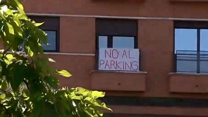 Tres Olivos marcha contra la construcción de un parking disuasorio en el barrio