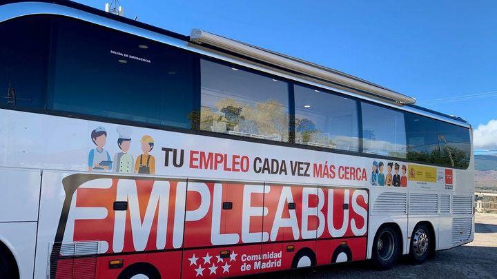 El 'EmpleaBus' seguirá circulando durante todo el año 2022 por la región de Madrid