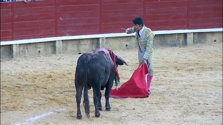 Isaac Fonseca y Álvaro Burdiel, a hombros en la semifinal de Miraflores de la Sierra (parte 1ª)