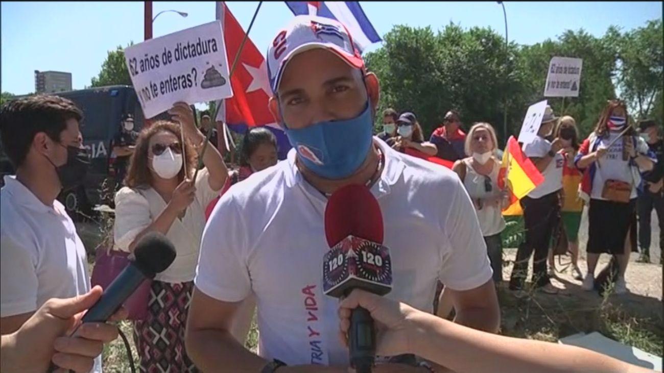 Manifestación de cubanos en La Moncloa