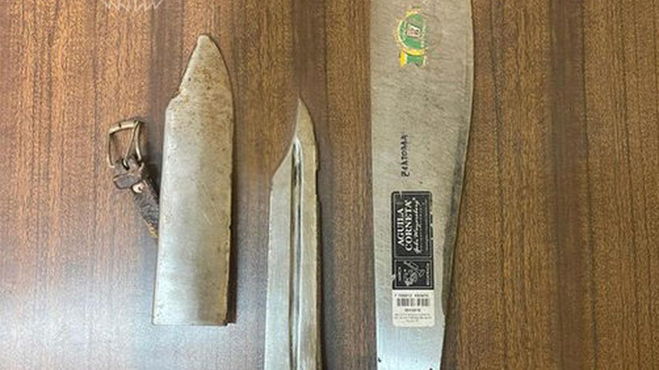 Machete y cuchillo de caza intervenidos en la Cañada Real