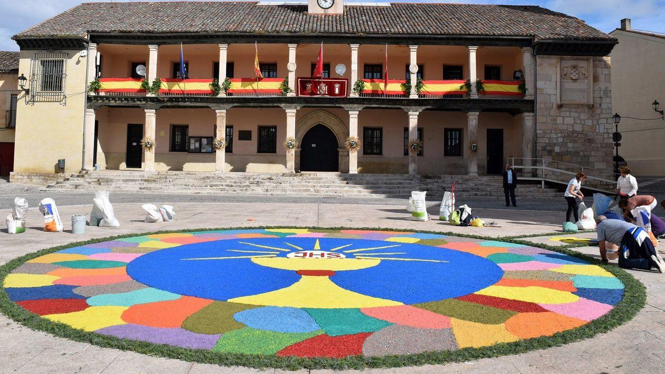 Alfombra creada por vecinos de Torrelaguna con motivo del Corpus