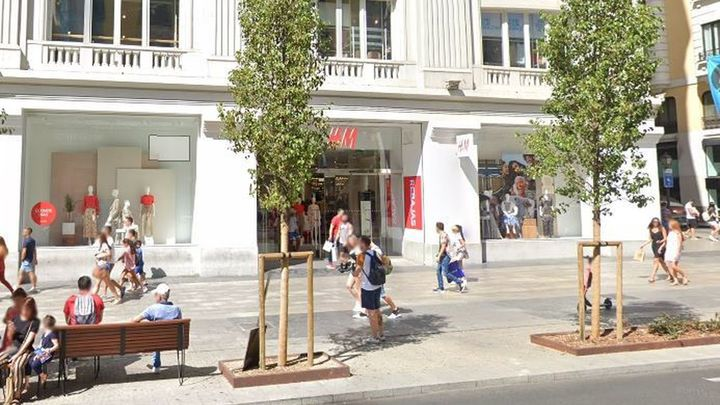 Detenido un hombre por hacer fotos íntimas a mujeres en el H&M de Gran Vía