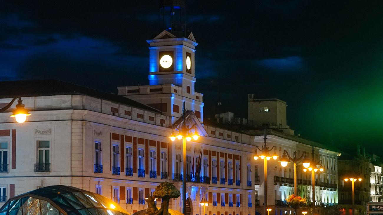 La Comunidad de Madrid ilumina su sede de azul claro en honor a la UNESCO