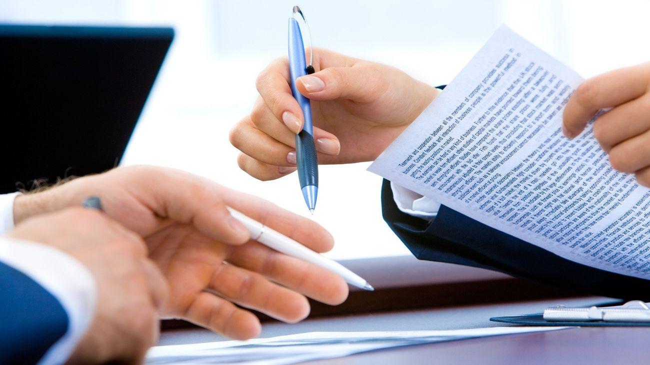 Firma de un contrato laboral