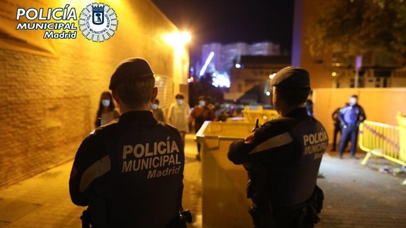 La Policía Municipal de Madrid vigila los botellones