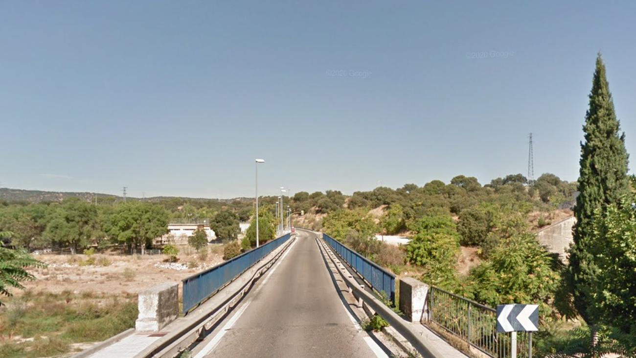 Puente de la M510 sobre el río Perales en Aldea del Fresno