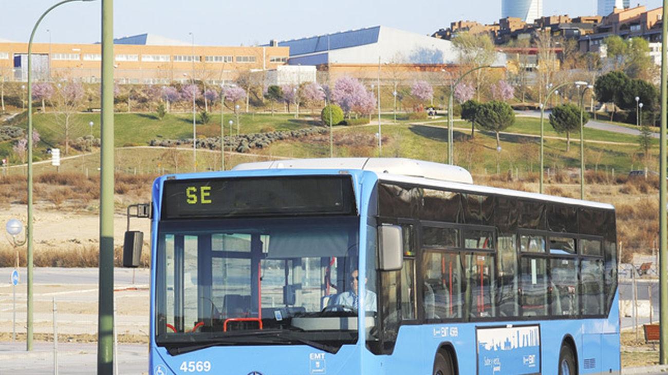 Autobús en un servicio especial de la EMT