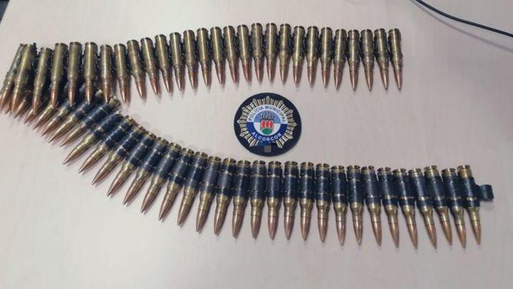 Intervienen a un hombre en Alcorcón 60 balas de fusil de guerra que portaba en un cinturón