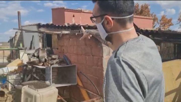 Ola de solidaridad con una vecina de Fuente el Saz que perdió su casa en el incendio de hace unos días