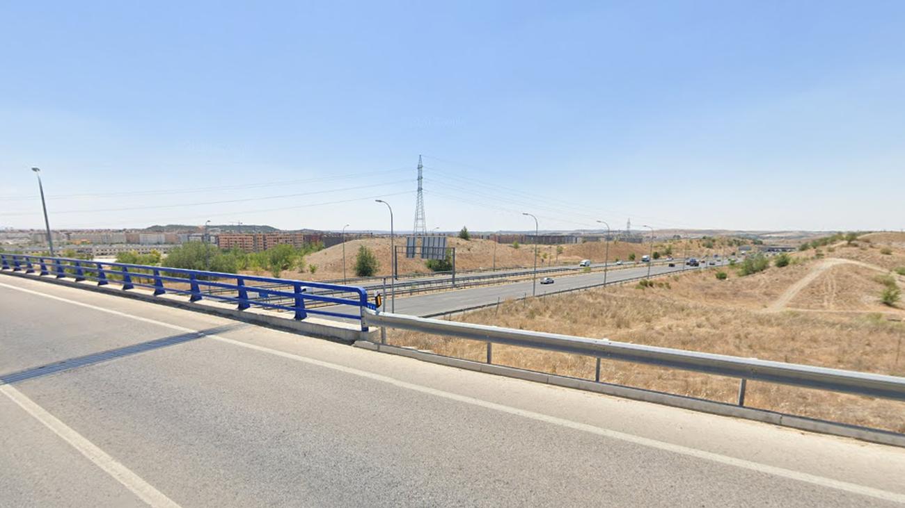 Puente de la M823 sobre la M50 a la altura de Rivas-Vaciamadrid