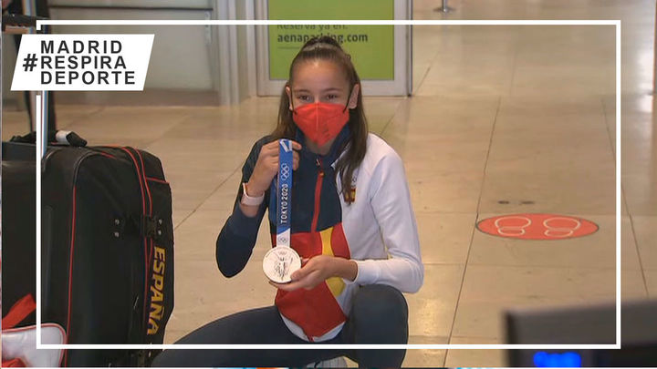 Adriana Cerezo y su medalla de plata ya están en Madrid