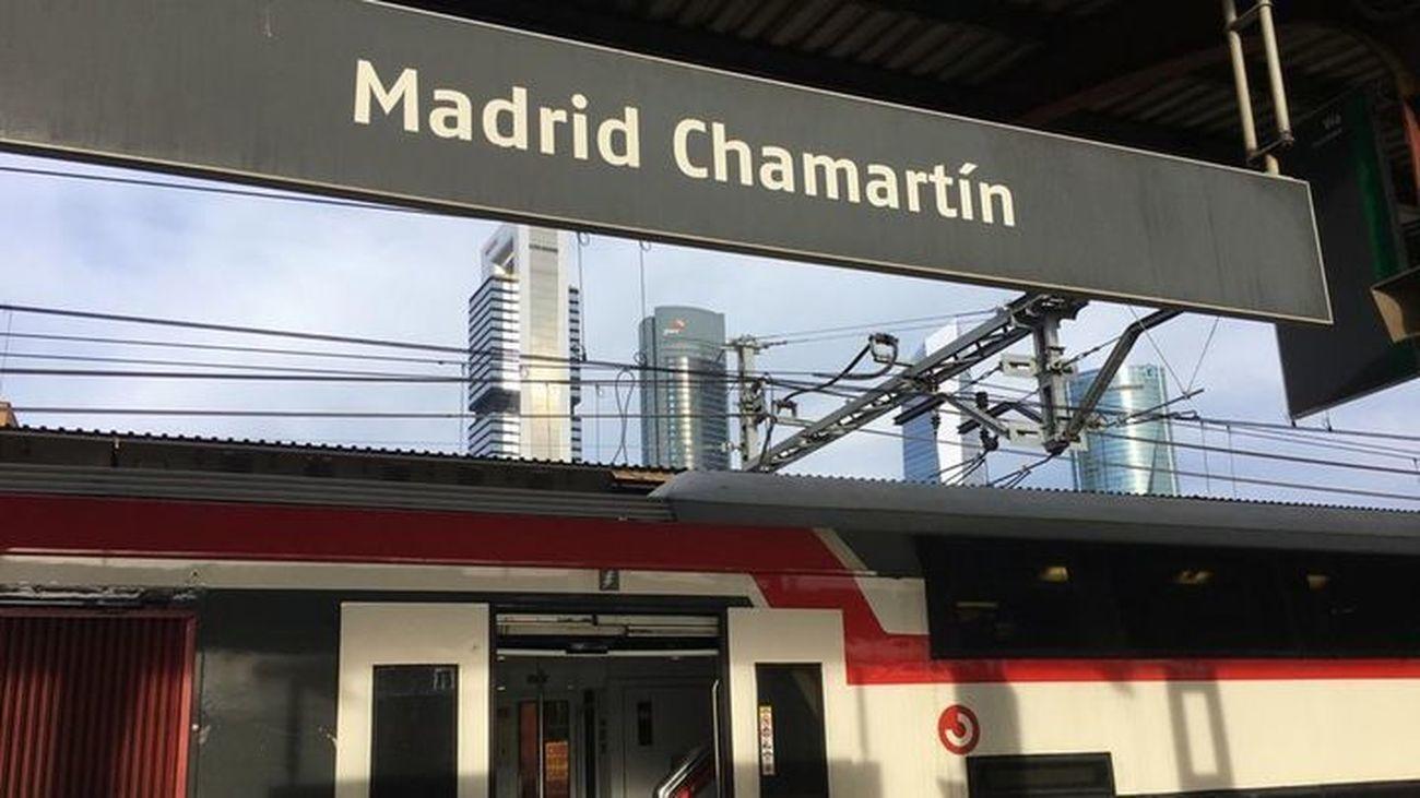 Andenes de Cercanías en la estación de Chamartín