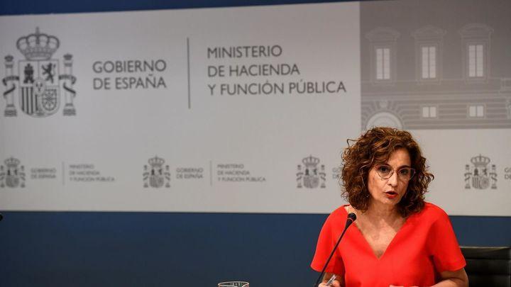 El Gobierno fija el déficit en el 0,6% y anuncia 13.000 millones para las autonomías