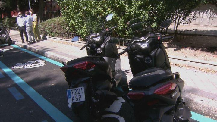 Madrid tendrá 700 plazas de aparcamotos en los próximos meses y 25.000 en 2023