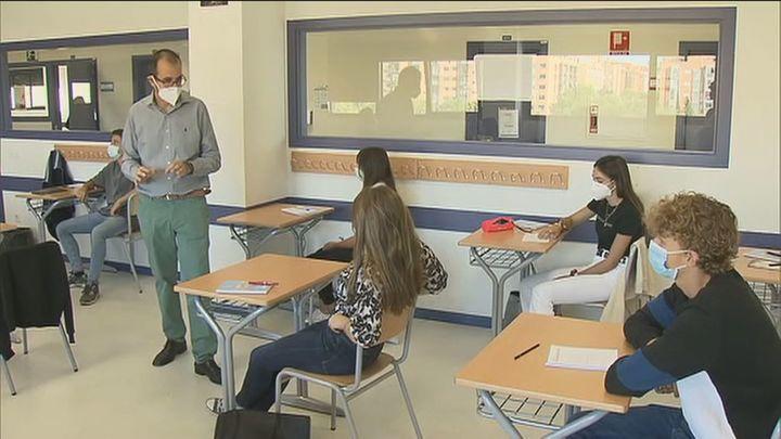No se reducirá en Madrid el número de profesores el próximo curso pese a no cubrirse las plazas de oposición