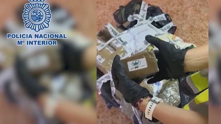 Tres detenidos con 243 kilos de hachís ocultos en un trastero en Leganés y en un coche