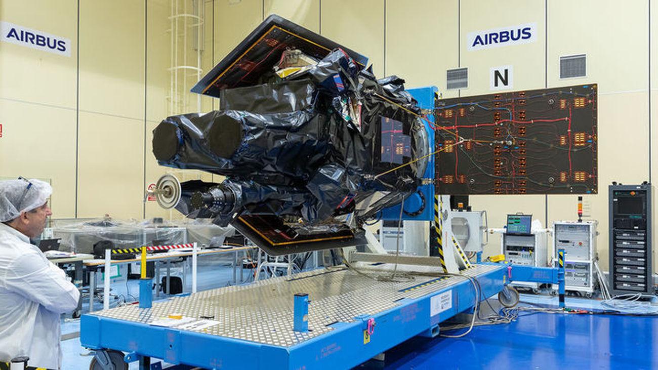 El satélite SEOSAT en las instalaciones de Airbus-Madrid