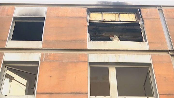Muere una niña de 4 años que estaba sola al incendiarse su casa en Terrassa