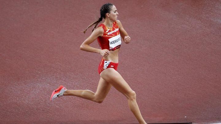 San Lorenzo coloca una pantalla gigante para ver a la atleta olímpica Lucía Rodríguez