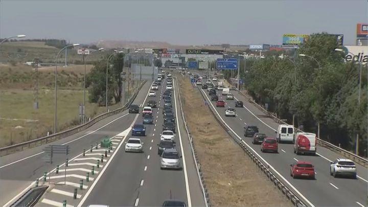 Tráfico complicado en las salidas de Madrid al inicio del éxodo de agosto