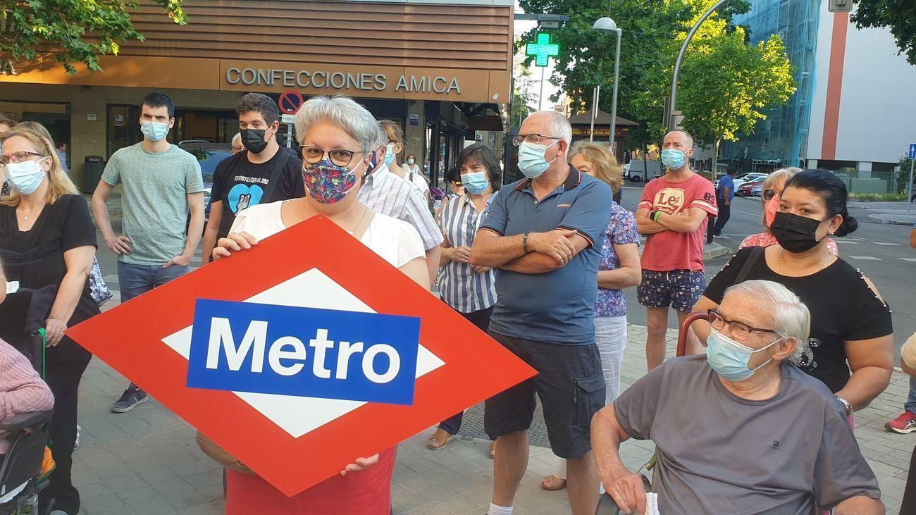 Vecinos de Orcasitas, Usera, reclaman una estación de metro en su barrio